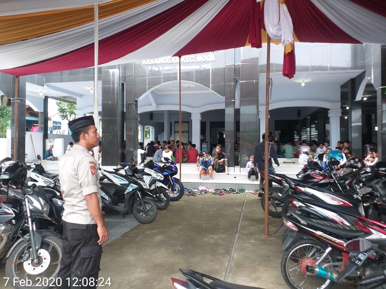 Safari Sholat Jum,at Cara Efektif Jalin Silaturahmi, Polri ...