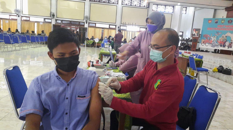 Kebut Vaksinasi Ala Akabri 1996 Bharatasena, Sasar Mahasiswa Solo Raya